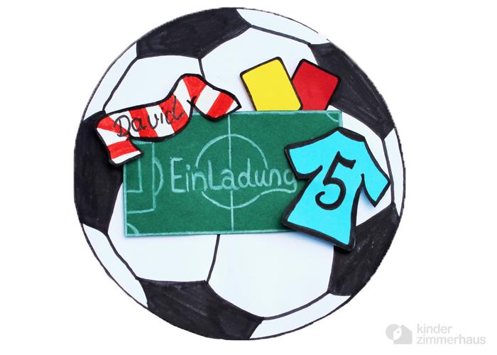 Einladung Kindergeburtstag: Fußball selber basteln