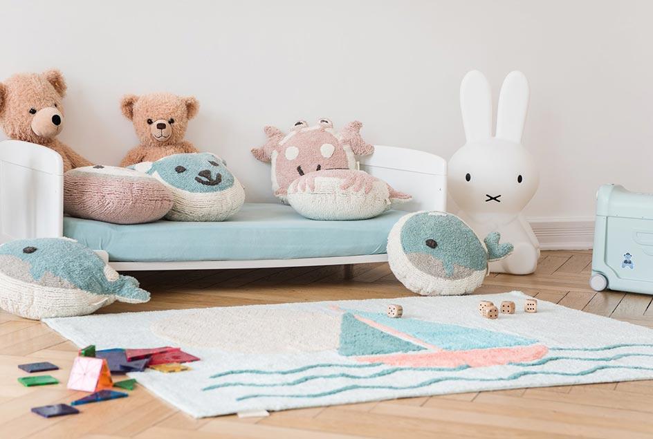 Individuelle Kinderteppiche und Kissen von minividuals
