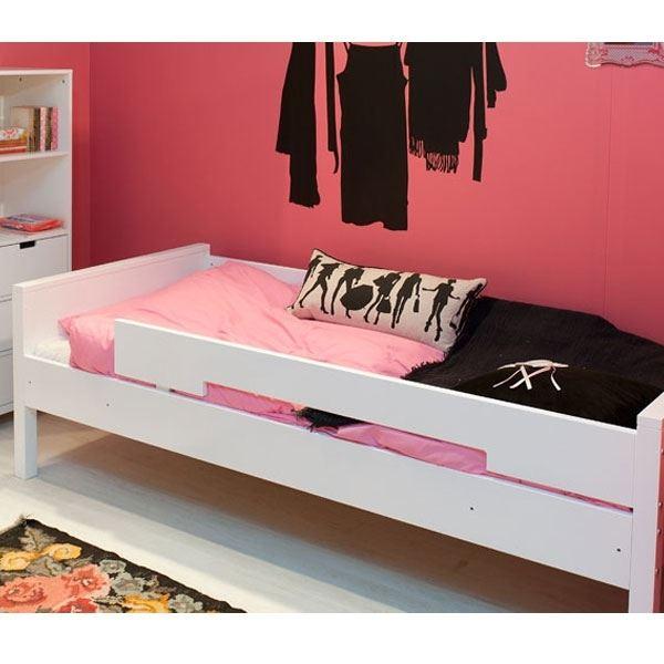 bopita bett mit rausfallschutz kinderzimmerhaus. Black Bedroom Furniture Sets. Home Design Ideas