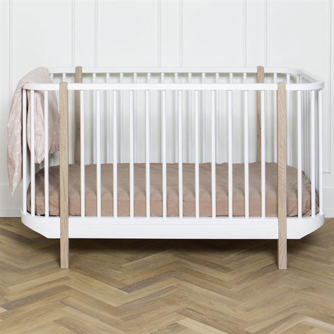 oliver furniture babybett wood eiche kinderzimmerhaus. Black Bedroom Furniture Sets. Home Design Ideas