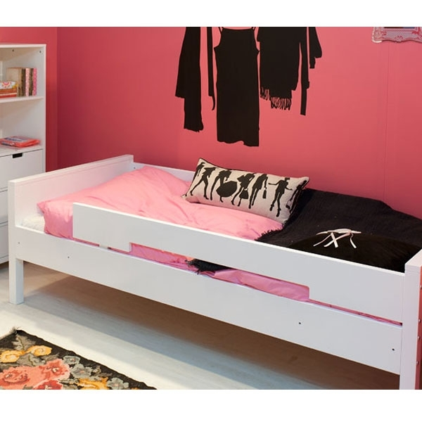 bopita bett mit rausfallschutz kinderzimmerhaus. Black Bedroom Furniture Sets. Home Design Ideas