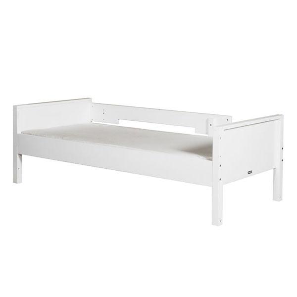 bett 90x200 mit rausfallschutz bopita bett 90x200 jonne. Black Bedroom Furniture Sets. Home Design Ideas