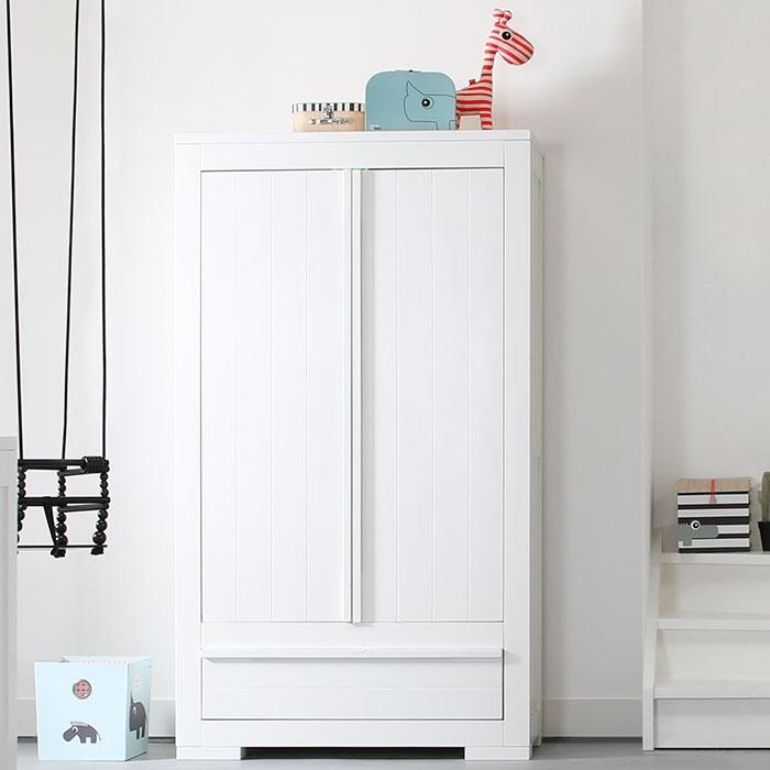 kidsmill schrank nature wei kinderzimmerhaus. Black Bedroom Furniture Sets. Home Design Ideas