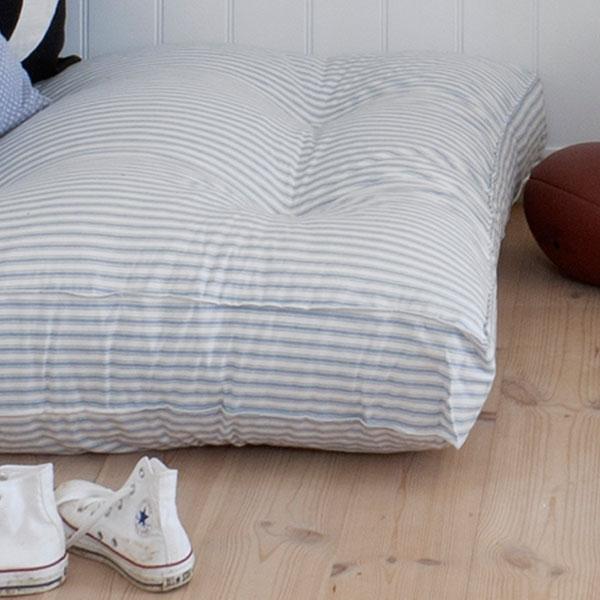 oliver furniture bodenkissen. Black Bedroom Furniture Sets. Home Design Ideas