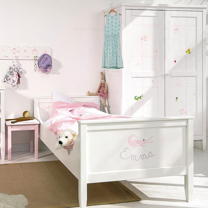 isle of dogs schrank mit motiven in rosa kinderzimmerhaus. Black Bedroom Furniture Sets. Home Design Ideas