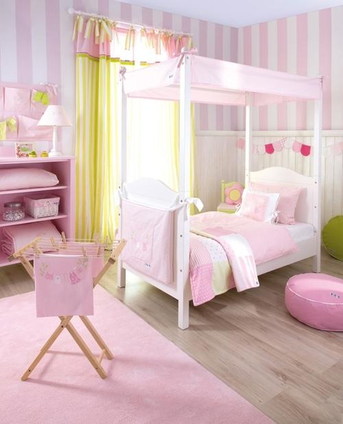 Kinderzimmer Tapete Rosa : Tapete Maxistreifen rosa von Annette Frank