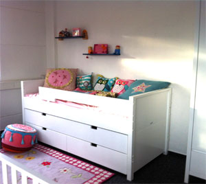 ausstellung kinderzimmerhaus. Black Bedroom Furniture Sets. Home Design Ideas